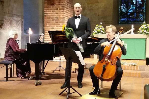 Urkuyö ja aaria festivaali 2019 Maija Weitz, Jussi Vänttinen ja Stephan Koncz